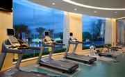 希尔顿健身房,位于康体中心1层,营业时间:24小时