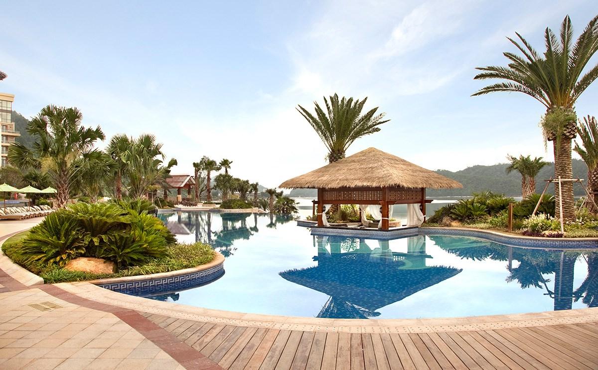 室外泳池,位于1层,尽享千岛湖一线湖景