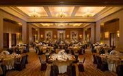 康莱德宴会厅颇受宾客欢迎,780 平方米(8,375 平方英尺)无立柱空间,装潢布置优雅大气。