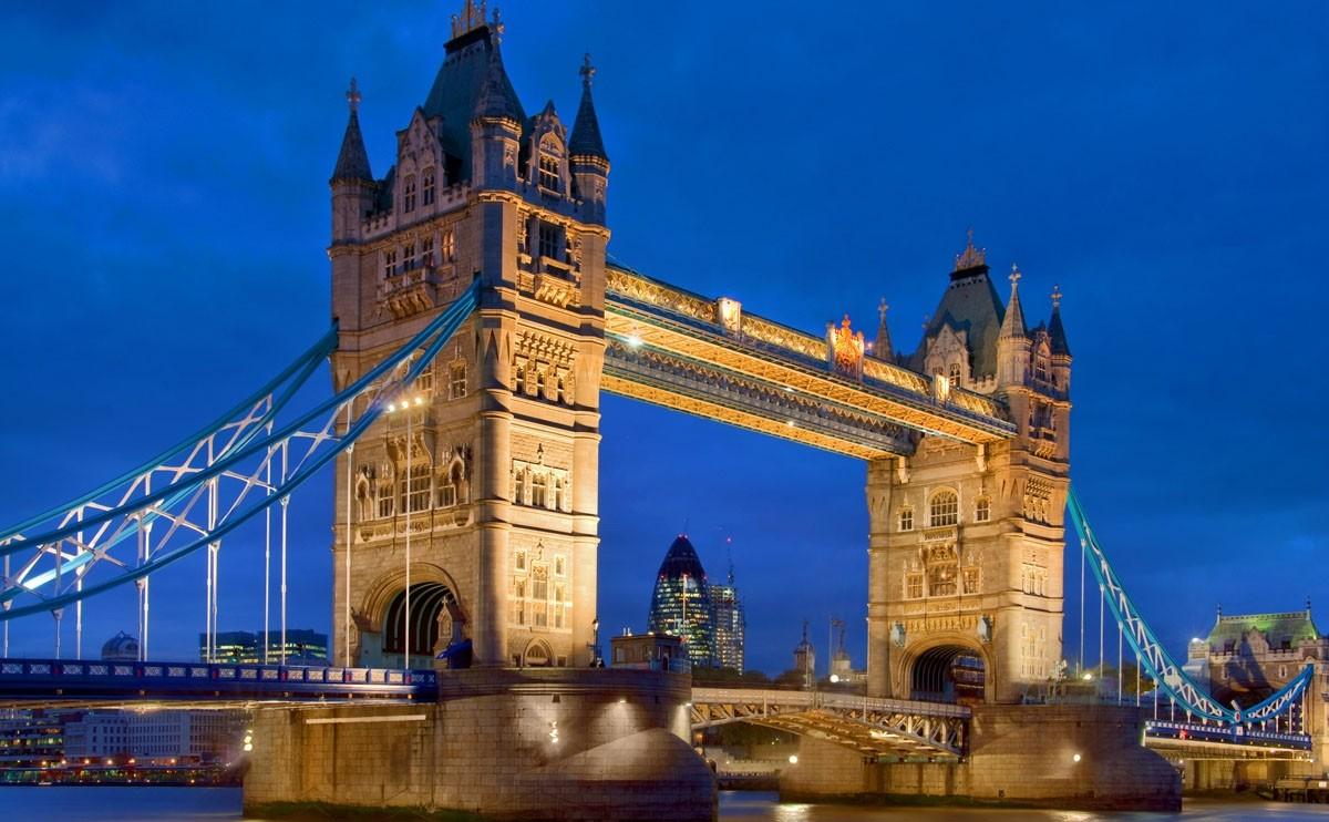 """""""伦敦塔桥""""的图片搜索结果"""