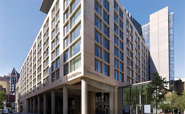 伦敦塔希尔顿逸林酒店