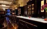 廊吧 - 重现上世纪20年代经典格调,让您体验上海总会—英国绅士俱乐部的传奇色彩。