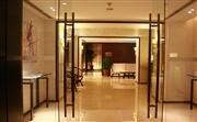 健身中心,位于酒店3楼,设施装备完善,并配有蒸汽室以及桑拿房。电话:63381999-1762。