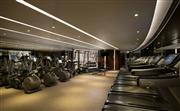 24小時健身中心 - 一系列完善的高科技健身設施,包括心血管訓練、負重及伸展器材。客人亦可使用桑拿、