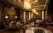 金葉庭 - 獲奬無數的金葉庭以揉合正宗傳統及精緻創新廣東菜享負盛名。餐廳匠心精研各款點心及菜式,巧妙