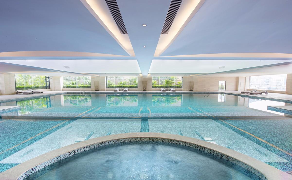 25米室内恒温泳池
