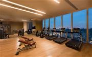 健身房位于酒店37层,设备完善且设施一流,面朝秀丽的鹭城景观。