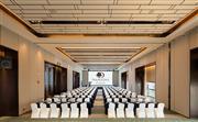 五楼嘉发厅-420m²-高5.3米-课桌式(可容纳180人)