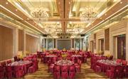 宴会厅620平方米的自然采光无柱大宴会厅,挑高9米,这个气势恢宏的大宴会厅可轻松容纳600人同时参加