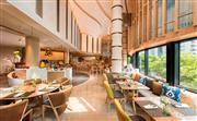 全新的东南亚风味全日制自助餐厅-落地窗廊区