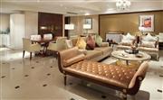 首长套房,宽敞的客厅配备了超大会客区