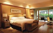 残疾人客房酒店为您量身定制独特的家具,提供足够的进出空间
