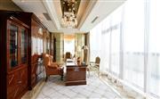 总统套房具有宽敞明亮的办公区,抬头便是千岛风景