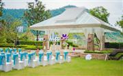 酒店拥有一片800平方米的清幽草坪绿地,这一特有的户外绿荫之所更是举办浪漫户外婚礼   或活动的最佳