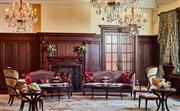 嘉会厅 - 嘉会厅精致小巧,又不失高雅氛围,是举办餐前鸡尾酒会,或提供贵宾小憩的绝佳场所。