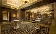 鸡尾酒会 - 曼谷康莱德酒店提供丰富的饮品选择,经验丰富的调酒师将帮助您举办成功的鸡尾酒会。您的宾客