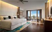 特级豪华海景房(特大床) 特大床卧室