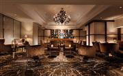 位于大堂的酒廊每日营业至深夜。前卫,舒适的大堂酒吧为您提供五星级的饮品及服务