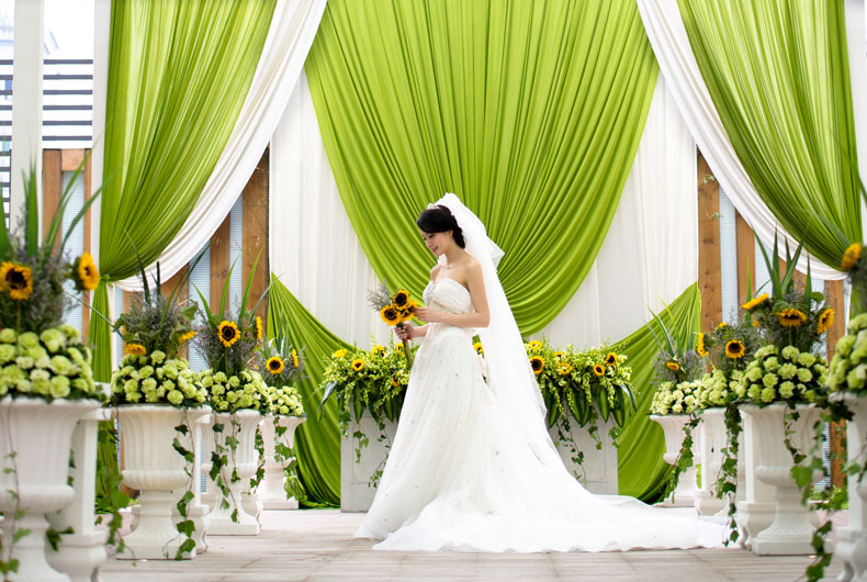 婚宴价格:cny 2588起/桌 酒店特色: 精致婚礼专属婚宴管家浪漫天台
